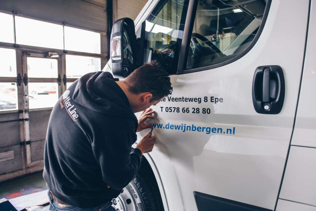 Busbestickering technisch installatie bedrijf De Wijnbergen