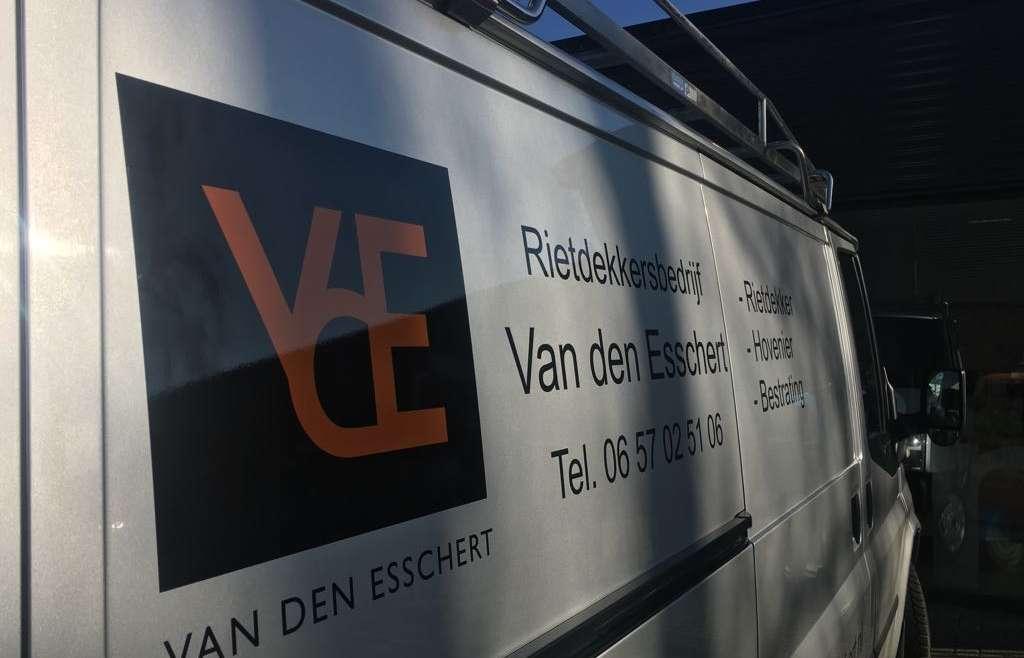 Autobelettering – Rietdekkersbedrijf Van den Esschert