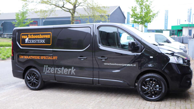 Busbestickering Van Schoonhoven ijzersterk